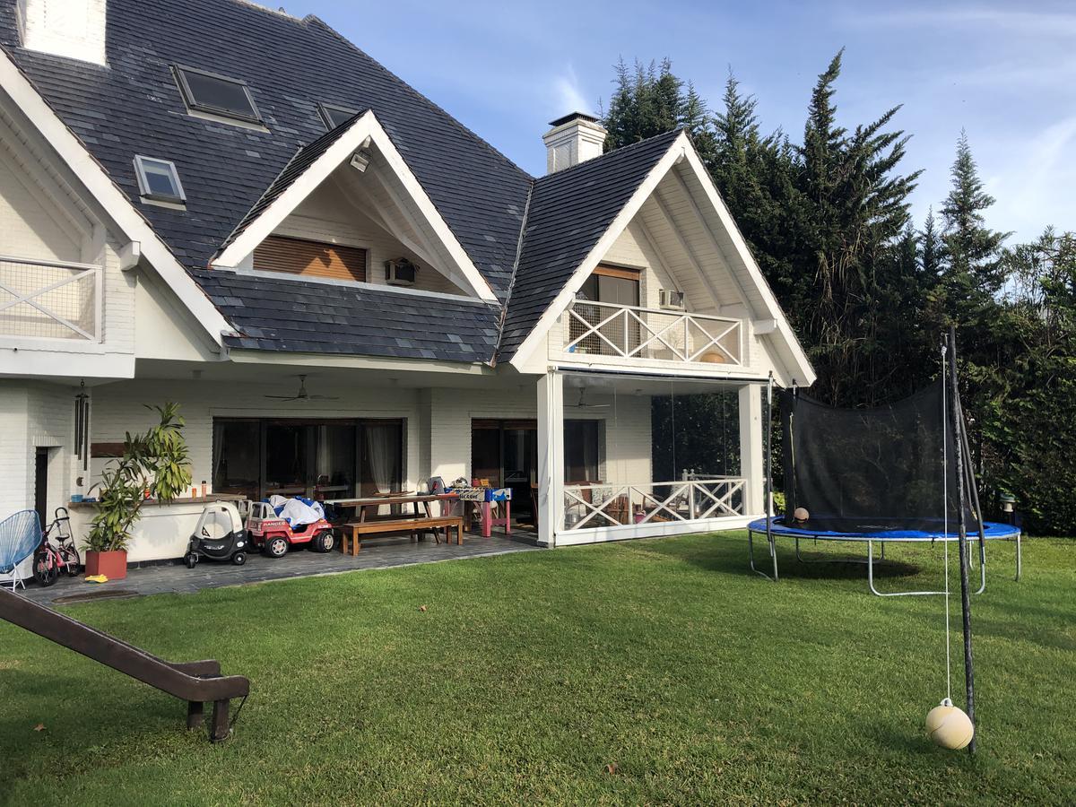 Foto Casa en Alquiler en  San Isidro Chico,  Countries/B.Cerrado  Algarrobos al 1500 - San Isidro Chico