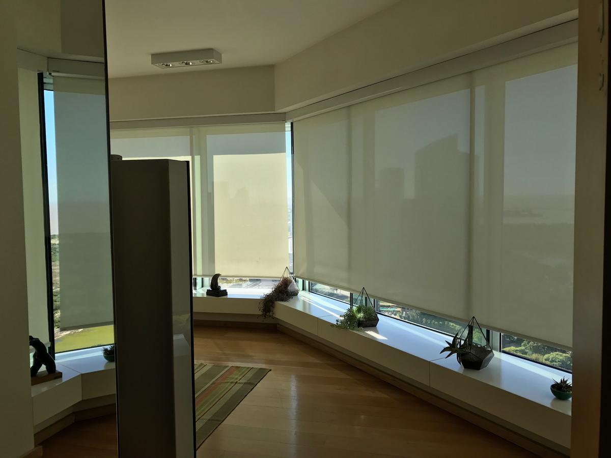 Foto Departamento en Venta | Alquiler en  Puerto Madero ,  Capital Federal  Renoir Torre 1 - Piso 34