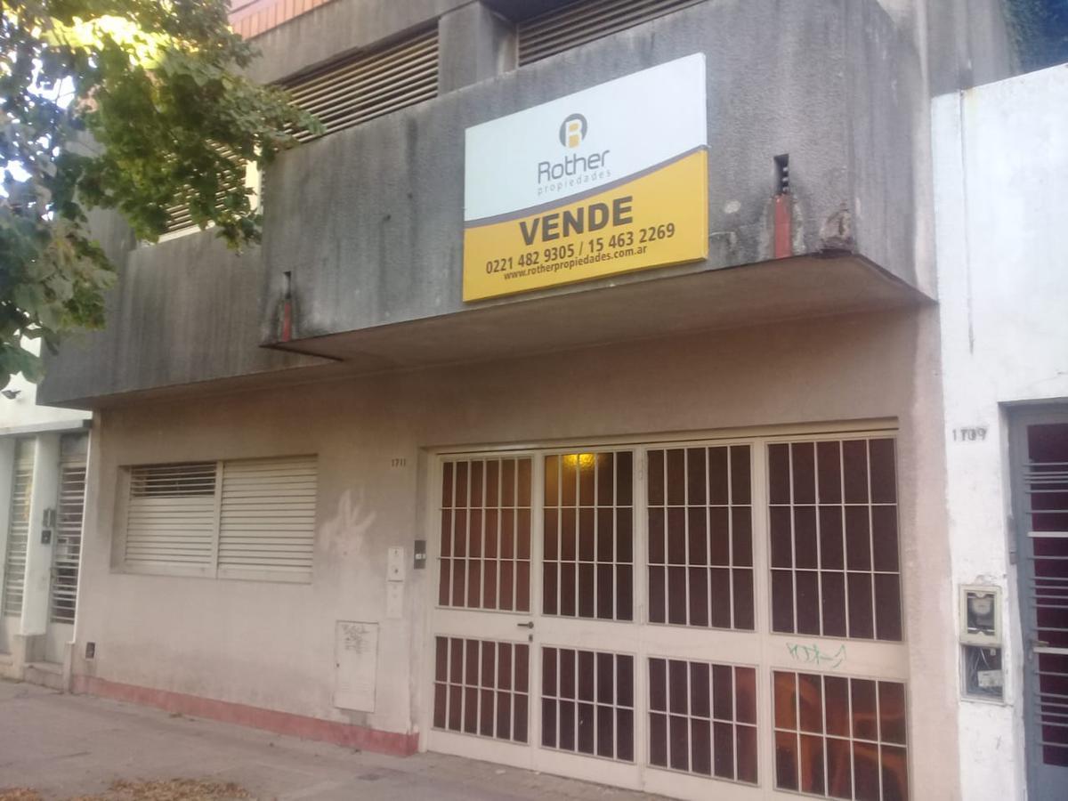 Foto Casa en Venta en  La Plata ,  G.B.A. Zona Sur  6 e 67 y 68
