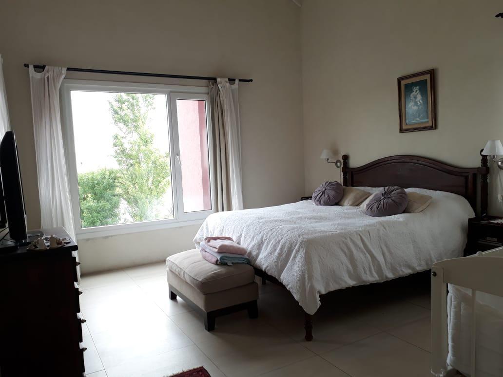 Foto Casa en Alquiler temporario en  San Benito,  Villanueva  Dean Funes 4000 Dique Lujan