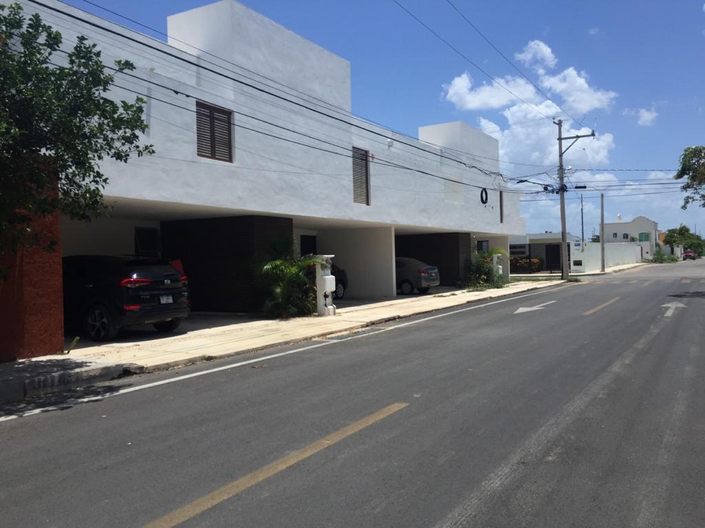 Foto Casa en Venta en  Yucatan,  Mérida  Town House en Esquina en Nuevo Yucatán.