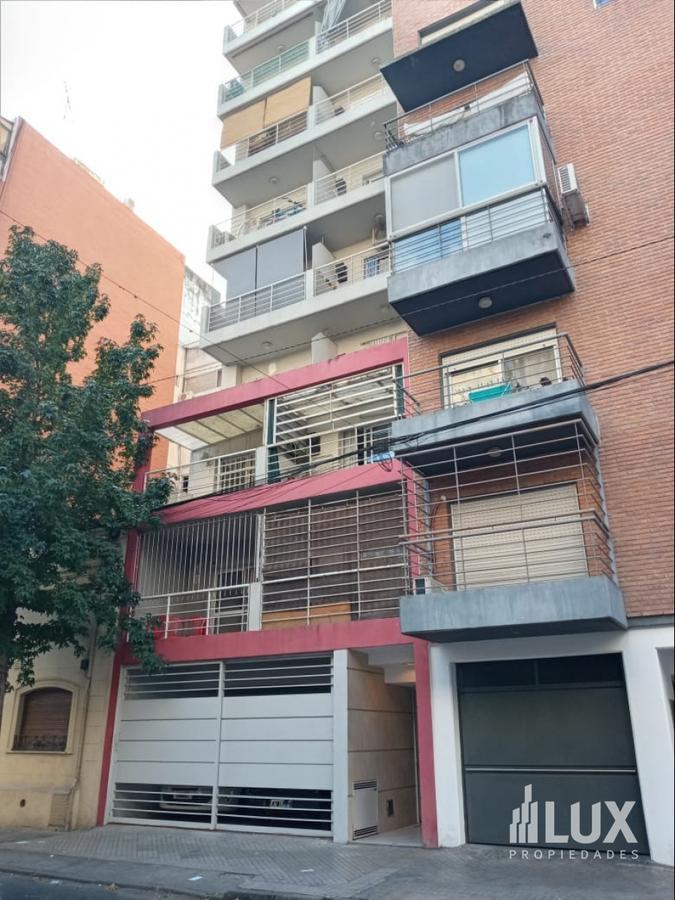 Alquiler Departamento monoambiente al frente con balcón - Barrio Martin