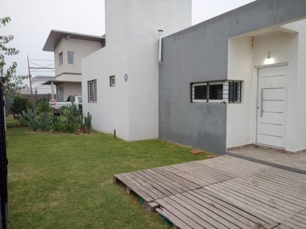 Foto Casa en Venta en  Funes City,  Funes  Casa 2 dormitorios FUNES