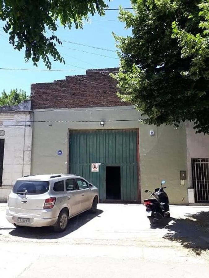 Foto Galpón en Venta en  La Plata ,  G.B.A. Zona Sur  119 e/ 40 y 41