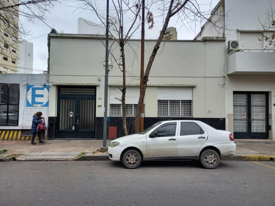 Foto Terreno en Venta en  Microcentro,  La Plata  11 N 770 e/ 47 y 48