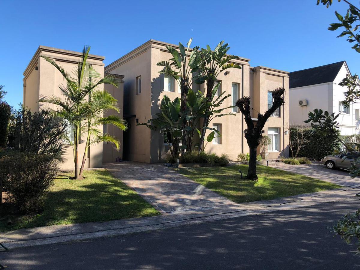 Foto Casa en Venta en  Isla Del Sol,  Countries/B.Cerrado (Tigre)  Chingolo al 400
