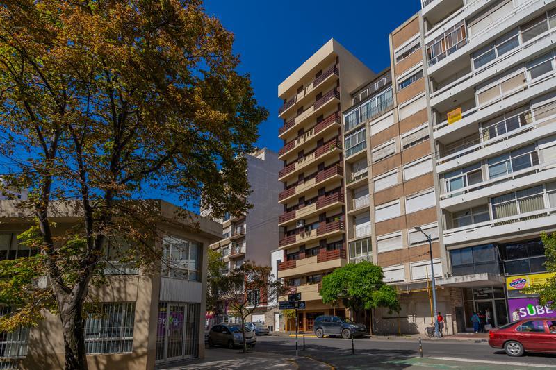 Foto Departamento en Venta en  Centro,  Mar Del Plata  Moreno entre Diag. Pueyrredon y La Rioja