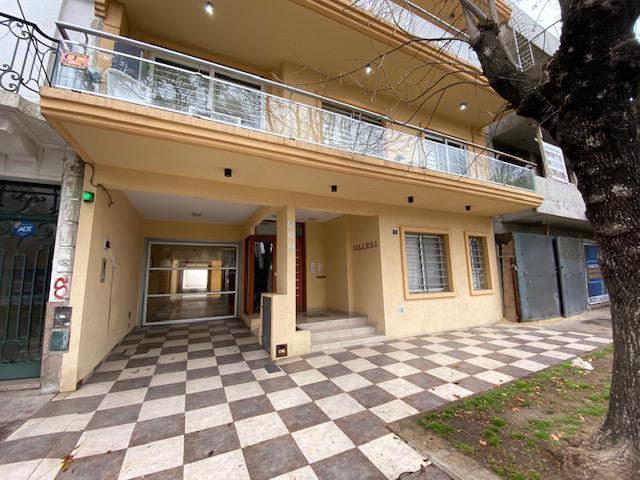 Foto Departamento en Alquiler en  Lomas De Zamora ,  G.B.A. Zona Sur  Rivera al 200