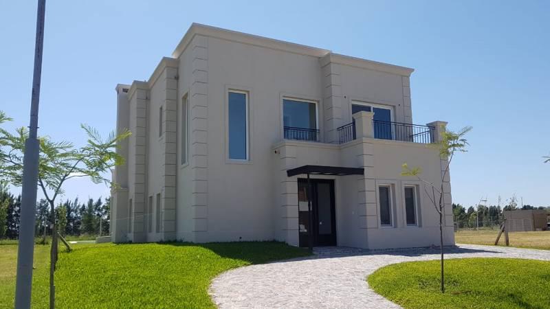 Foto Casa en Venta en  Los Castaños,  Nordelta  Castaños al 100