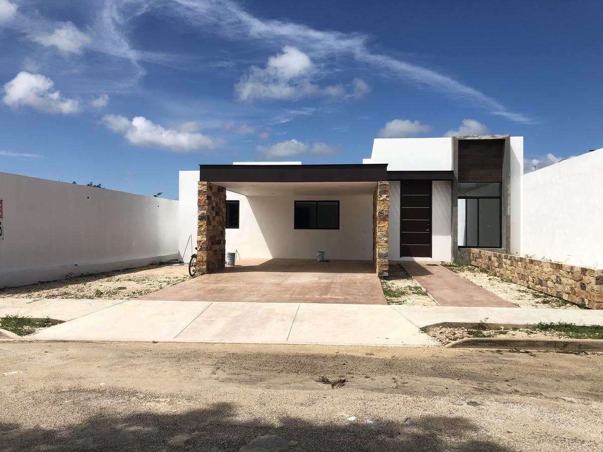 Foto Casa en Venta en  Mérida ,  Yucatán  Vendo bella casa de una planta 4 habitaciones