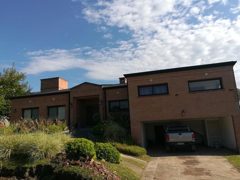 Foto Casa en Alquiler en  Yerba Buena ,  Tucumán  Country los Azhares