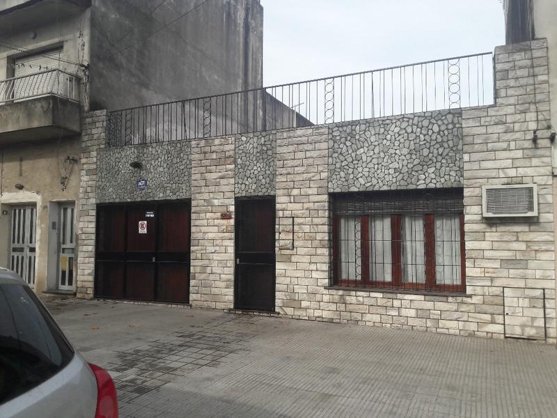 Montevideo al 4200, Rosario, Santa Fe. Venta de Casas - Banchio Propiedades. Inmobiliaria en Rosario
