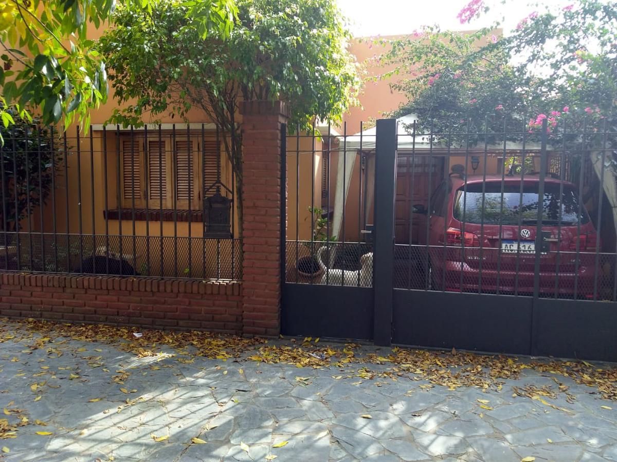 Foto Casa en Venta en  La Plata,  La Plata  74 e/4 y 5
