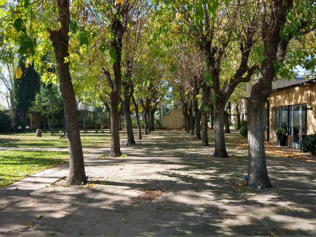 Foto Terreno en Venta en  Melchor Romero,  La Plata  Av. al 100