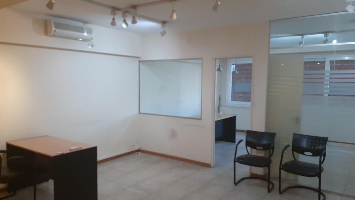 Foto Oficina en Alquiler en  Recoleta ,  Capital Federal  Cerrito al 1300