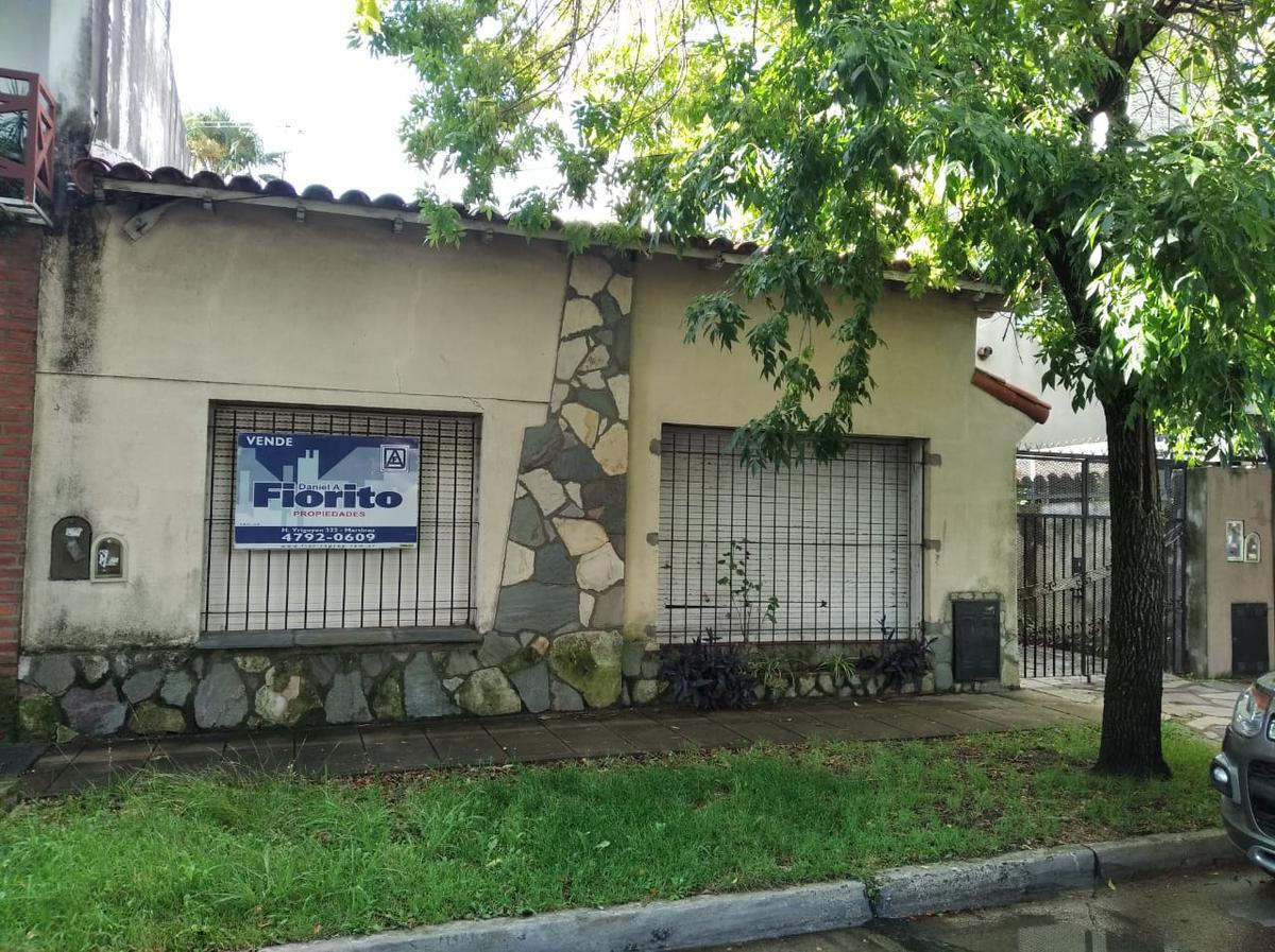 Foto Casa en Venta en  Mart.-Santa Fe/Fleming,  Martinez  VELEZ SARSFIELD al 1000