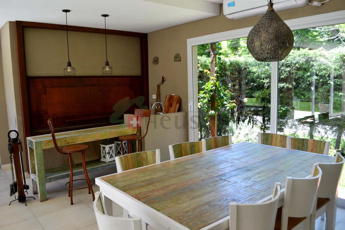 Foto Casa en Venta en  La Celina,  Countries/B.Cerrado  La Celina