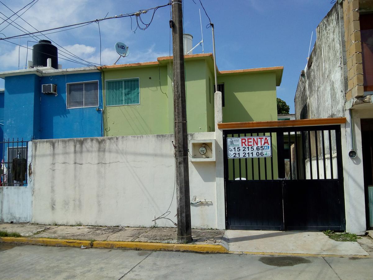 Foto Casa en Renta en  Pensiones Del Estado,  Coatzacoalcos  Calle Alamo No. 5, Entre Boulevard del Bosque y Fresno, Colonia Brisas de Coatzacoalcos (antes Pensiones del Estado)
