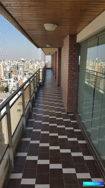 Foto Departamento en Venta en  Martin,  Rosario  San Luis al 400