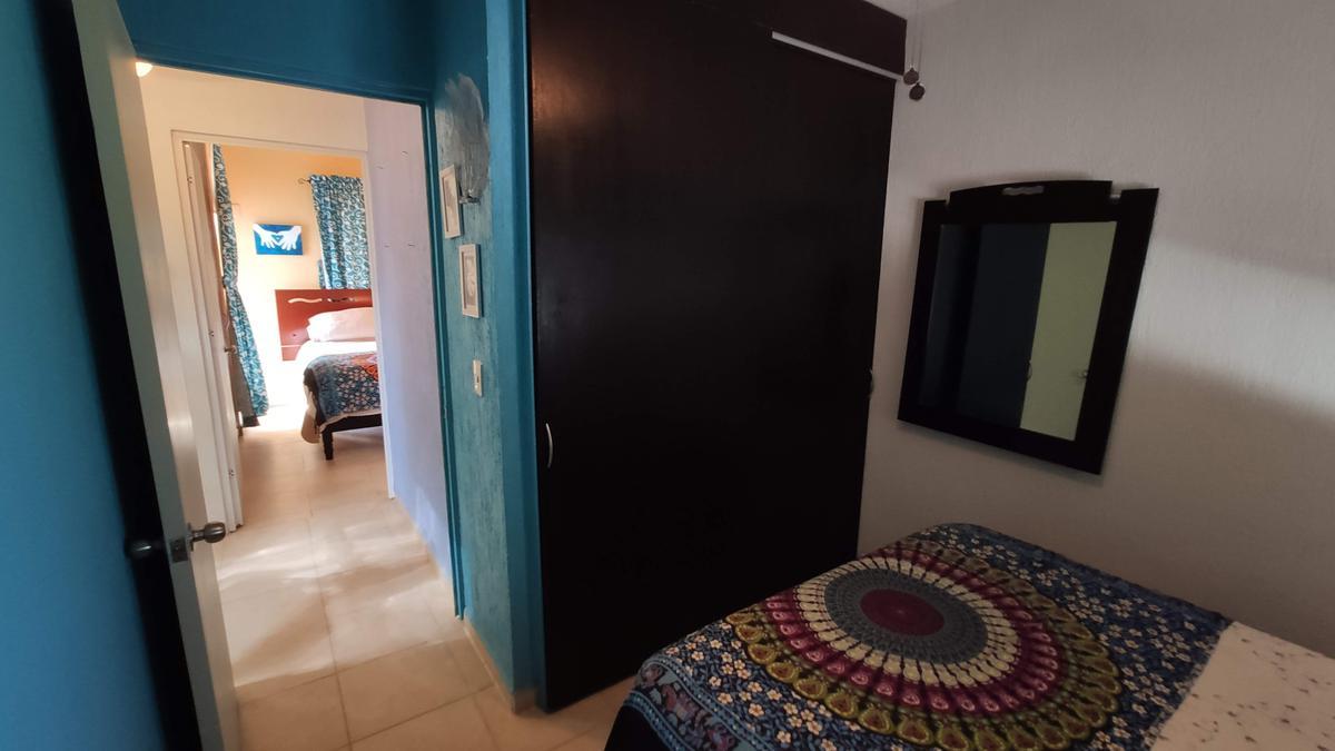 Foto Casa en Venta | Renta en  Las Palmas,  Solidaridad  Casa en Venta en Playa del Carmen con Piscina propia