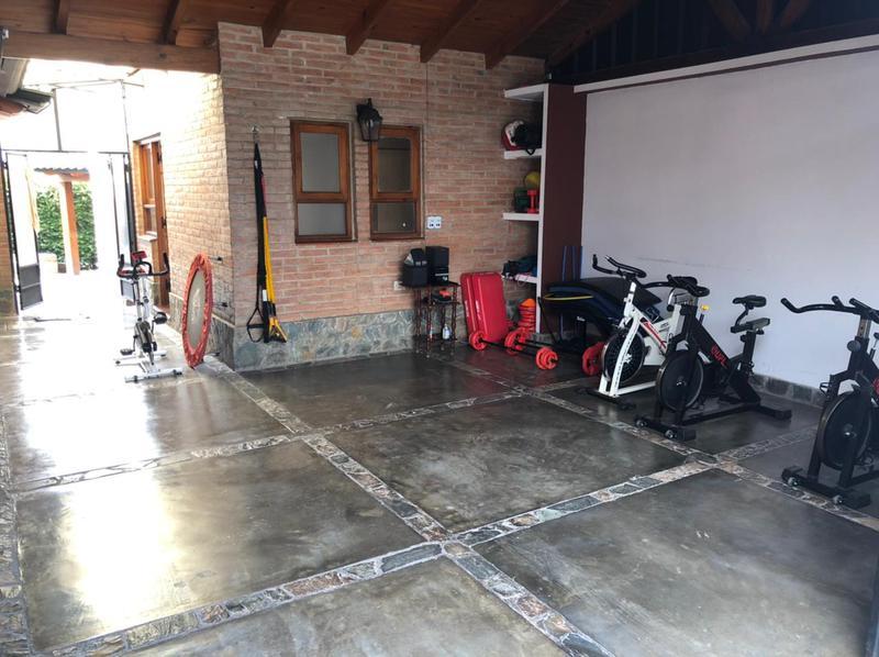 Foto Casa en Venta en  Yerba Buena ,  Tucumán  Casa en venta - Country La Loma Tenis