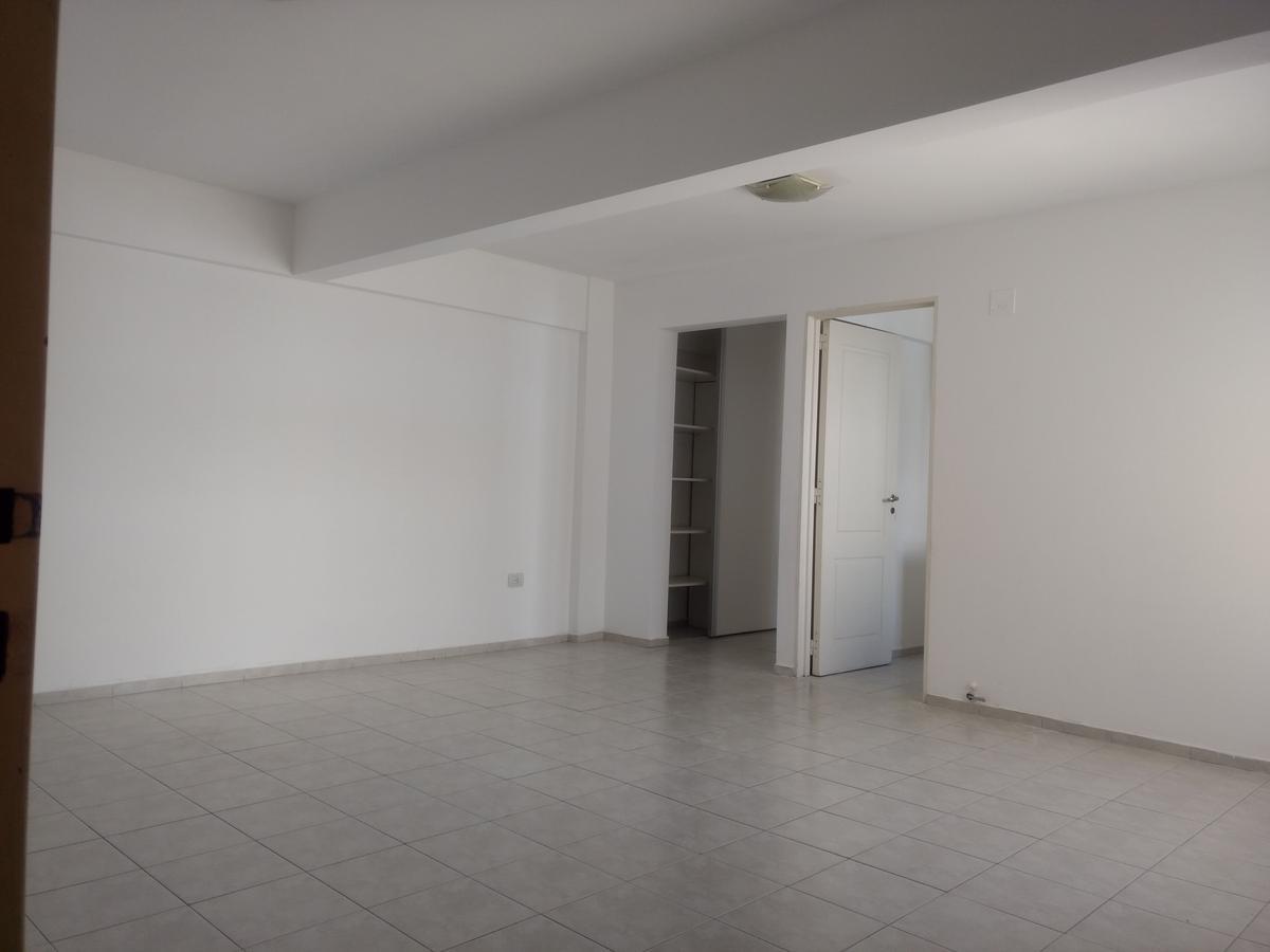 Foto Departamento en Alquiler en  Alto Alberdi,  Cordoba  Monseñor de Andrea al 200
