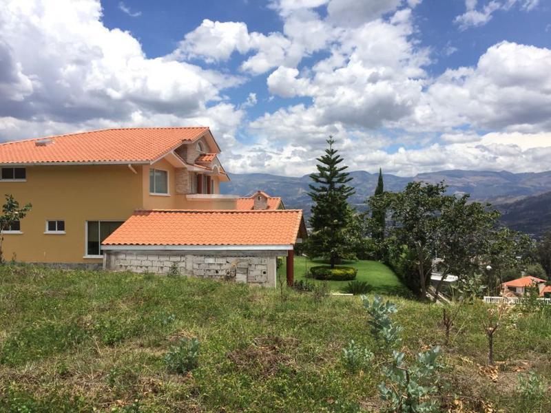 Foto Terreno en Venta en  Cumbayá,  Quito  Cumbayá, Urbanización, consolidad, lote de 1.000 m2 con hermosa vista