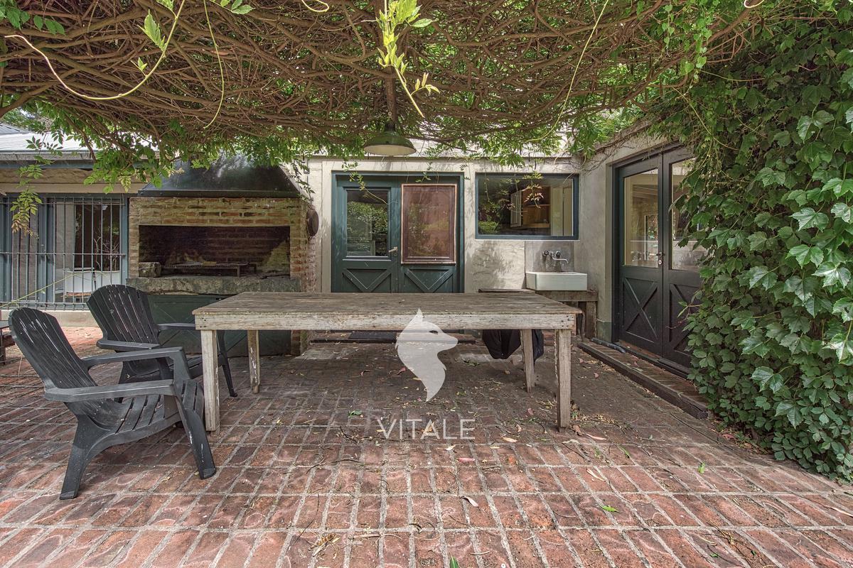 Foto Casa en Venta en  Bosque Peralta Ramos,  Mar Del Plata  Atahualpa