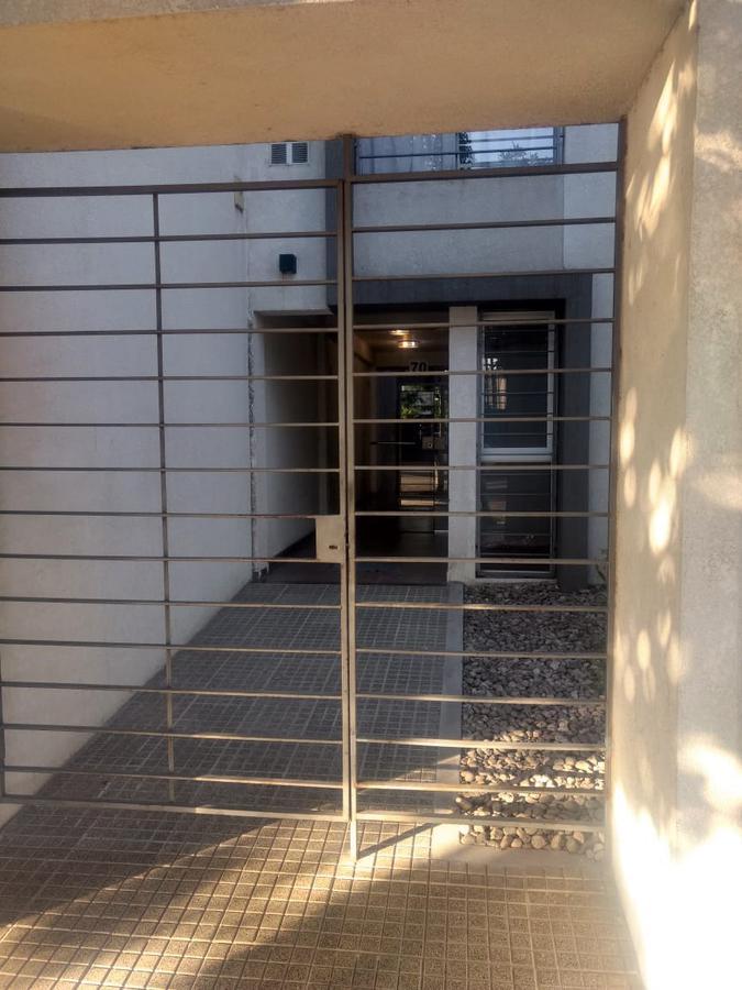 Foto Departamento en Venta en  Alta Cordoba,  Cordoba  Departamento de  1 dormitorio y 1/2 -  Con patio.  B° Alta Córdoba.