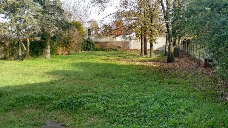Foto Casa en Venta en  Manuel B Gonnet,  La Plata  487 E/ 19 y 20