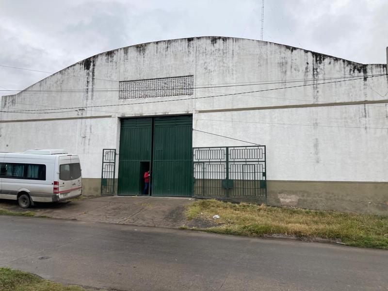 Foto Galpón en Venta en  San Miguel De Tucumán,  Capital  Pasaje Quintana al 500