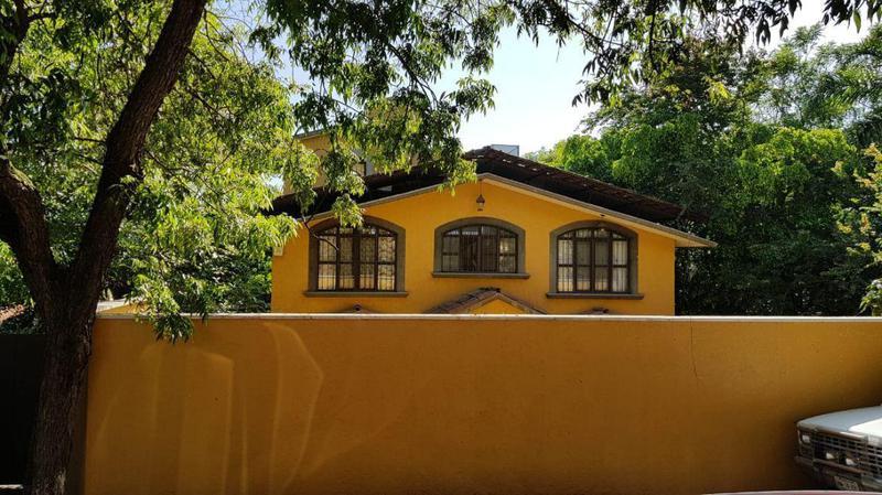 Foto Casa en Venta   Renta en  Palmira Tinguindin,  Cuernavaca  Casa Sola en Avenida Palmira