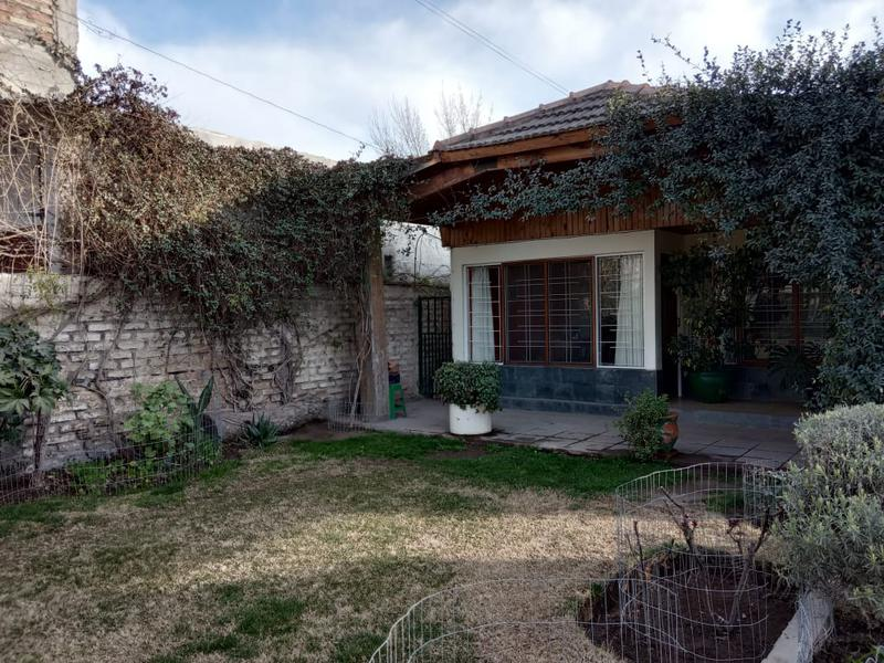 Foto Casa en Venta en  Capital ,  Neuquen  San Martin al 4200