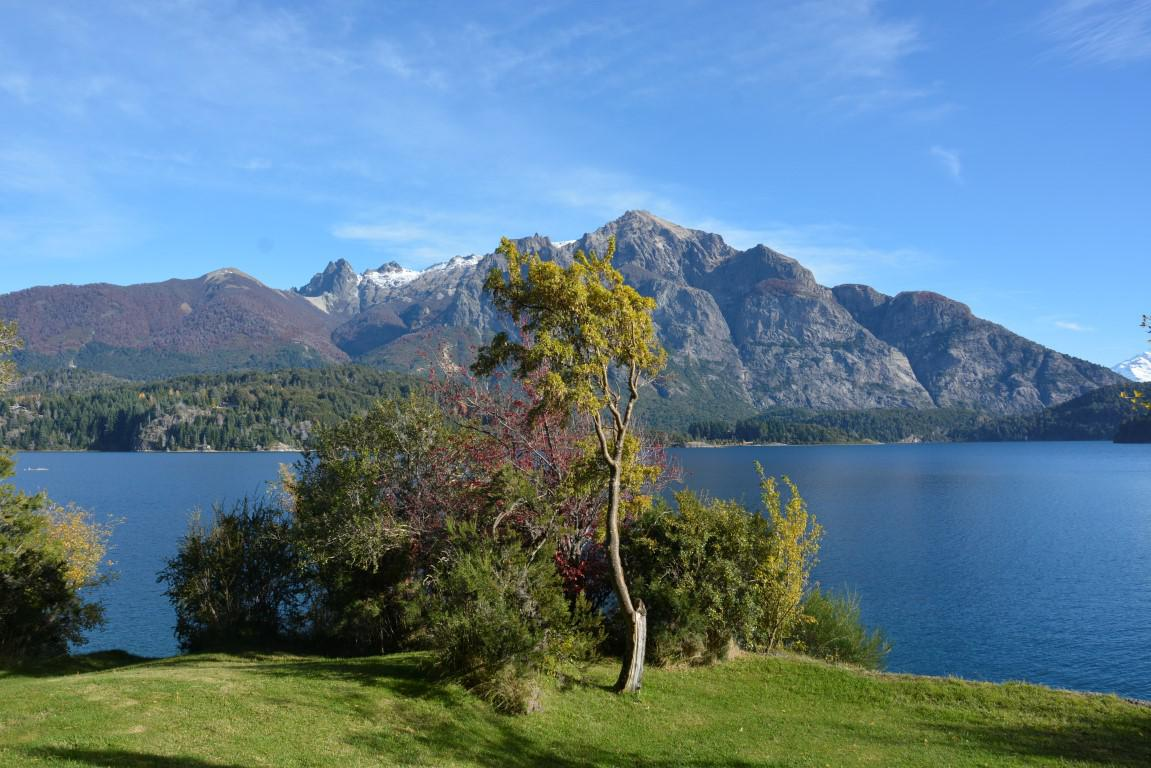 Foto Casa en Venta en  San Carlos De Bariloche,  Bariloche  18.000 M2 con Costa de Lago Moreno