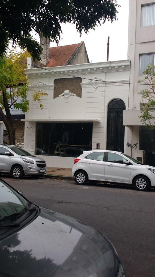 Foto Local en Alquiler |  en  La Plata ,  G.B.A. Zona Sur  48 Y 11