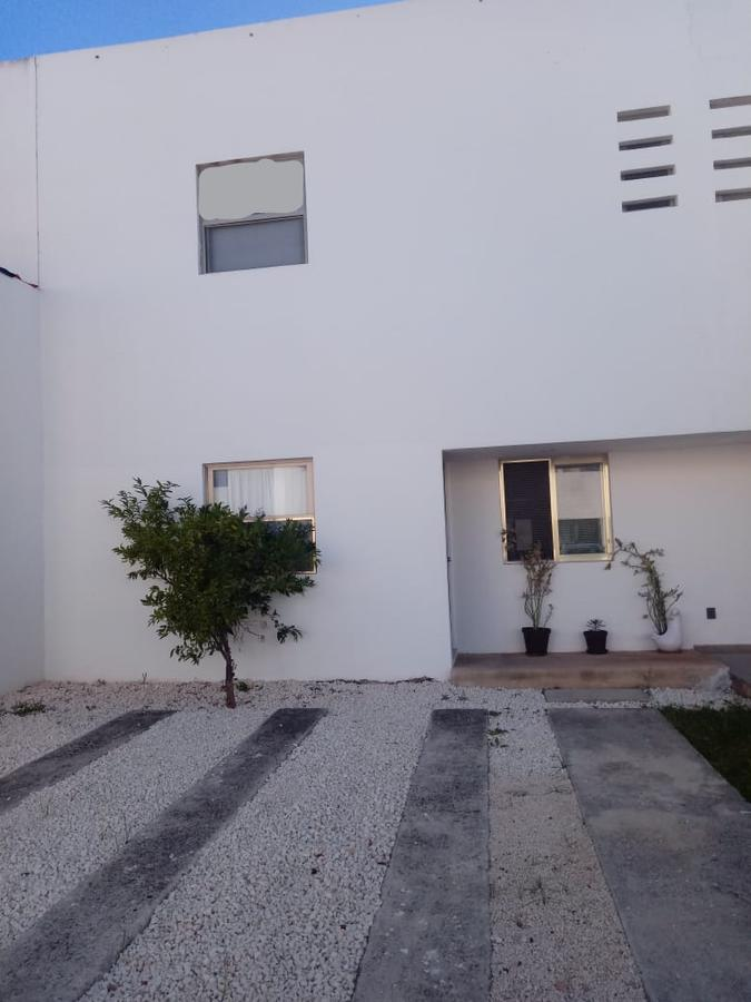 Foto Casa en Renta | Venta en  Supermanzana 523,  Cancún          CASA  AMUEBLADA EN RENTA/VENTA  EN CANCUN EN PRIVADA AQUA INN EN AVE. LAS TORRES