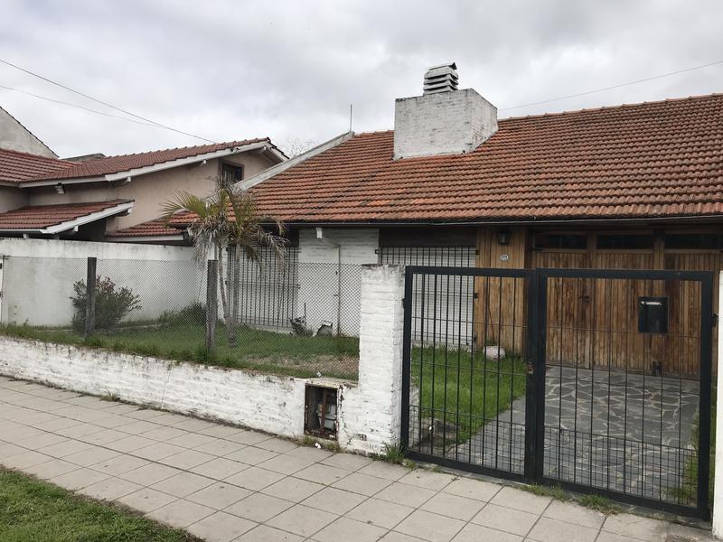 Foto Casa en Venta en  Llavallol,  Lomas De Zamora  FRIAS 2129