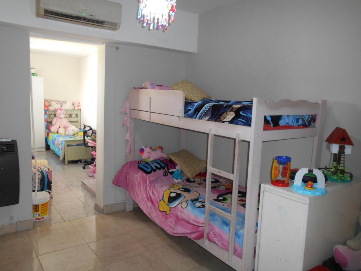 Foto PH en Venta en  Villa del Parque ,  Capital Federal  MELINCUE al 2500