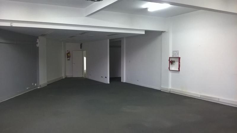 Foto Edificio Comercial en Alquiler en  La Lucila-Libert./Rio,  La Lucila  Av. del Libertador 3829