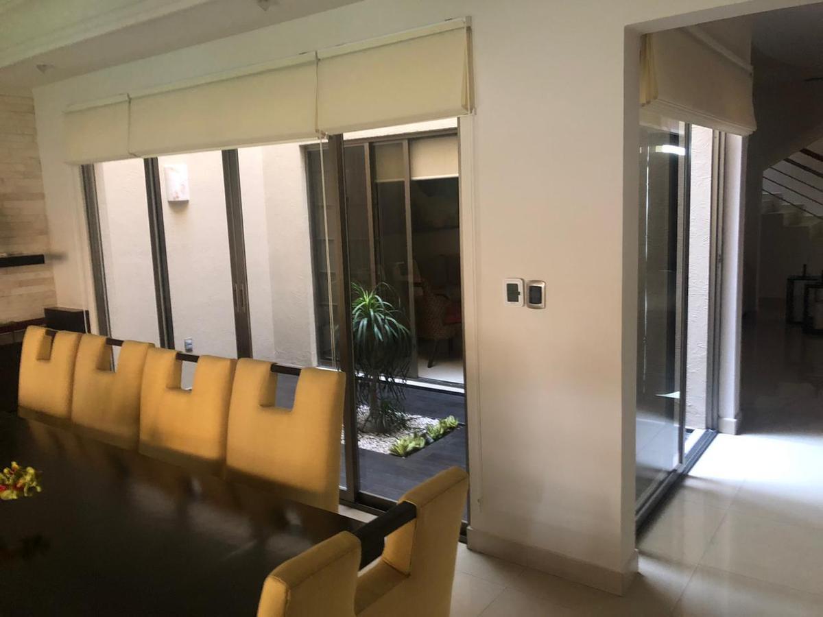 Foto Casa en Venta en  Fraccionamiento Costa de Oro,  Boca del Río  COSTA DE ORO, Casa en VENTA con alberca, jardín y cuarto de juegos con barra