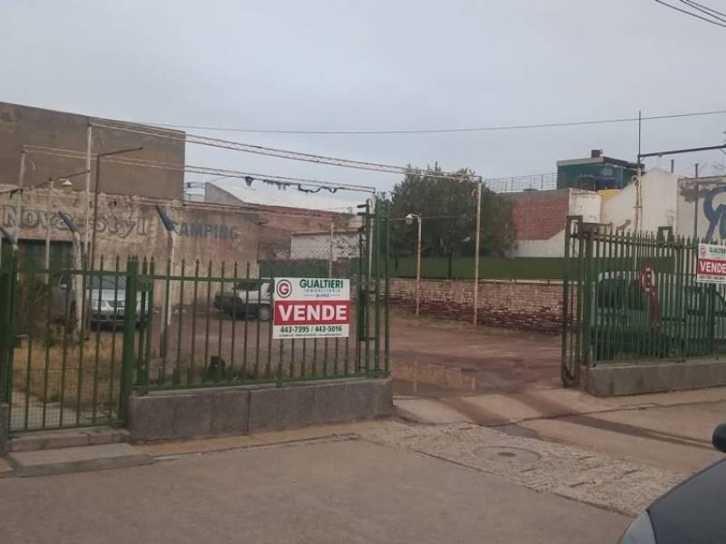 Foto Terreno en Venta en  Área Centro Sur,  Capital  LAINEZ al 200