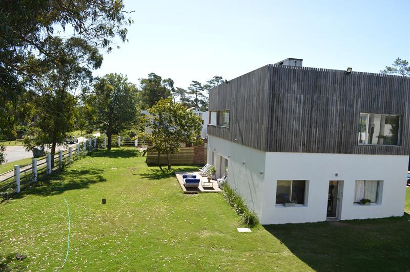 Foto Casa en Alquiler en  Pinares,  Punta del Este  Camino la laguna, Pinares