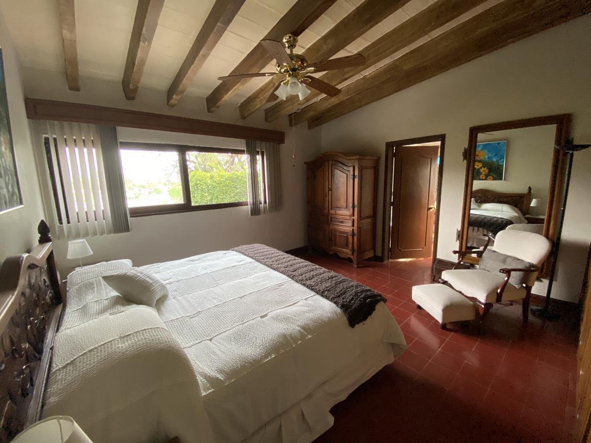 Foto Casa en Venta en  Fraccionamiento Lomas de Atzingo,  Cuernavaca  Residencia en Venta Lomas de Atzingo
