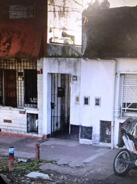 Foto PH en Venta   Alquiler en  Lomas de Zamora Oeste,  Lomas De Zamora  Santa Fe 40 N°3