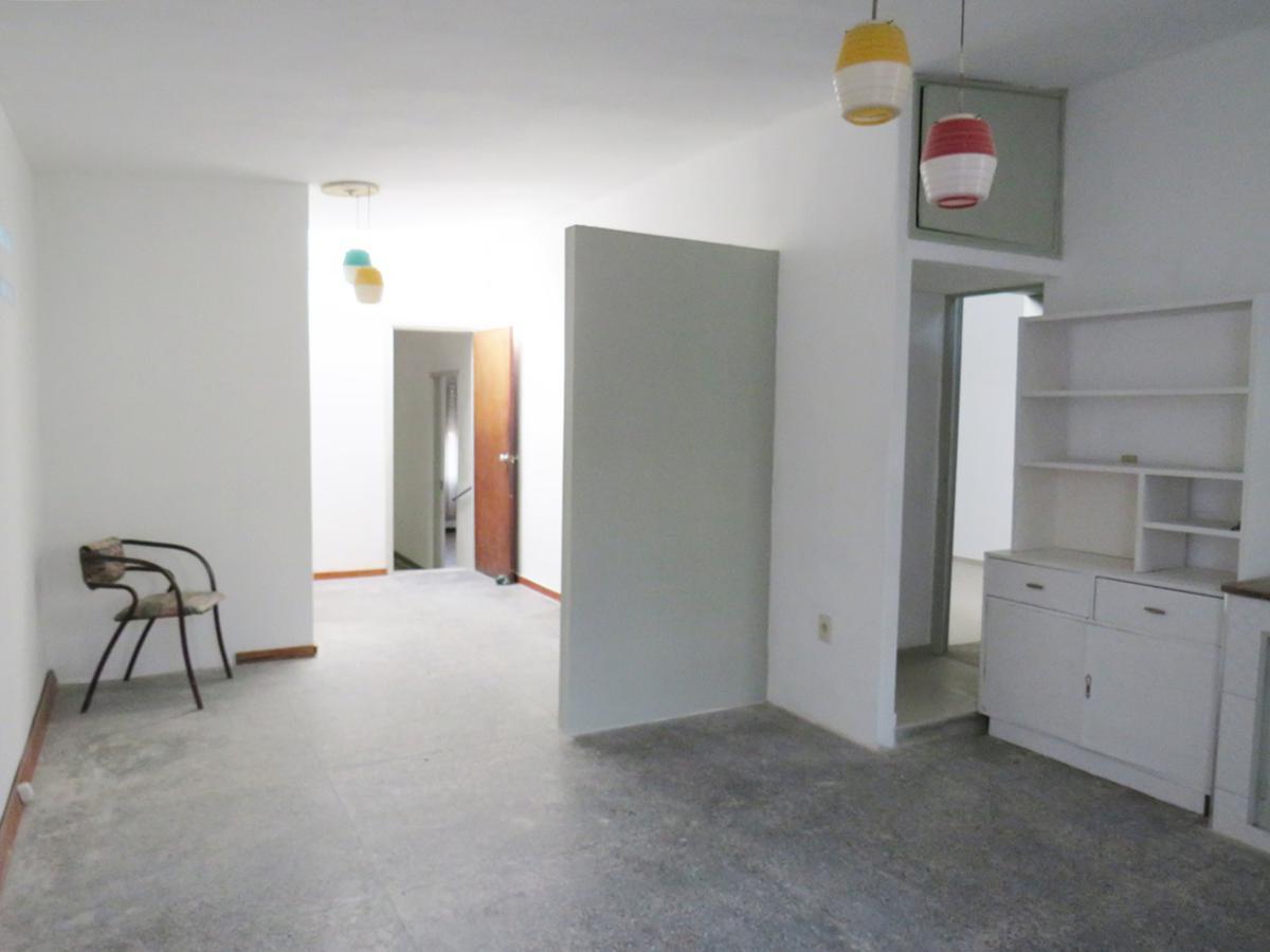 Foto Casa en Alquiler en  La Teja ,  Montevideo  Vazquez Sagastume al 500