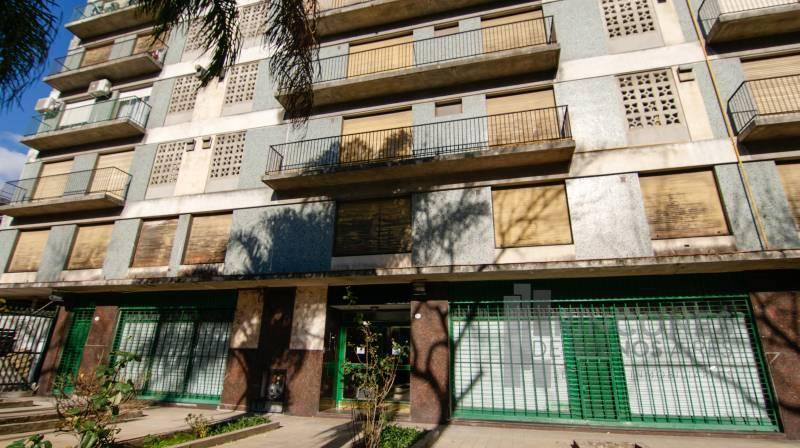 Foto Departamento en Venta en  Boca ,  Capital Federal  Suarez 700