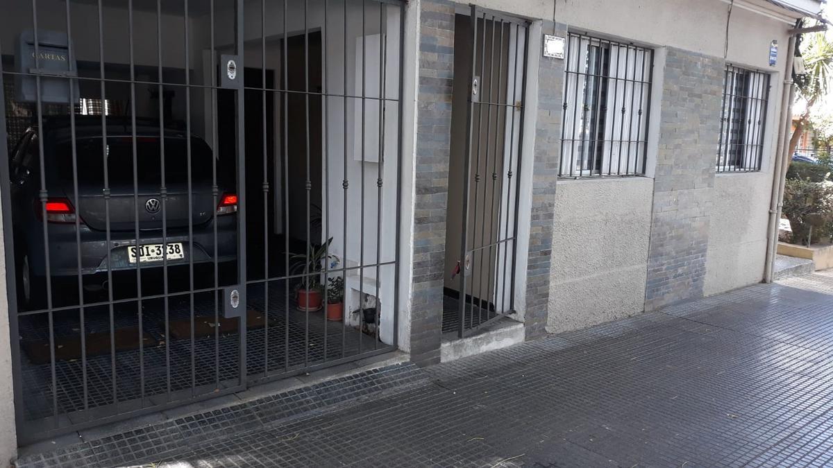 Foto Casa en Venta en  Buceo ,  Montevideo  Estivao próximo a Ramón Anador