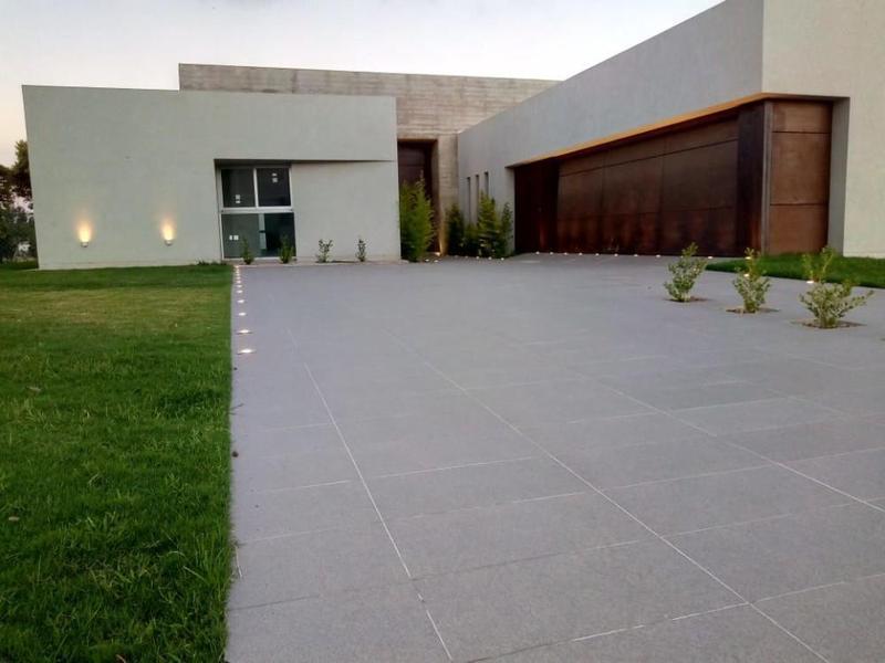 Foto Casa en Venta en  Cañuelas Golf ,  Cordoba Capital  Cañuelas Country Golf - Juan Romualdo Baez 1500