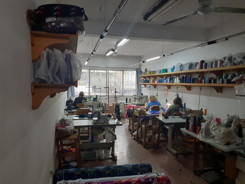 Foto Local en Venta en  Centro (Montevideo),  Montevideo  Local comercial a la calle de 2 plantas en pleno Centro