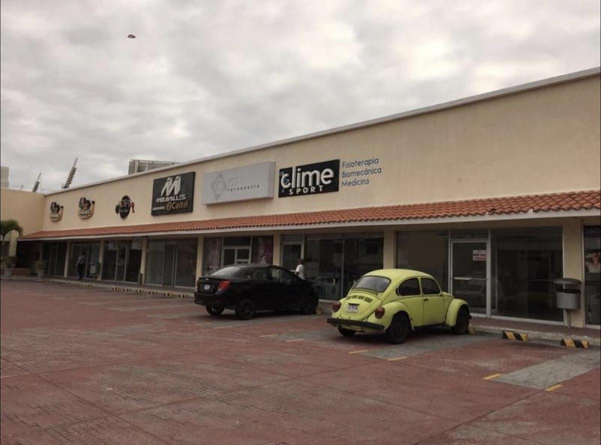 Foto Local en Renta en  Fraccionamiento Virginia,  Boca del Río  Local Comercial en RENTA, Plaza España cerca del estadio Pirata Fuente
